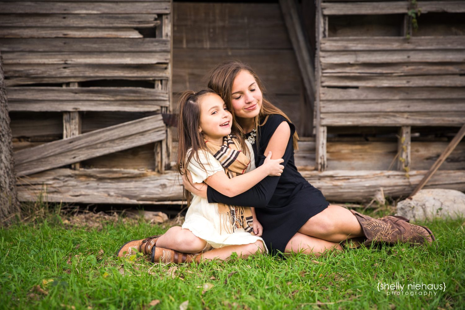Sisters + Family Fall Session {Lifestyle Photographer|Prosper, TX}