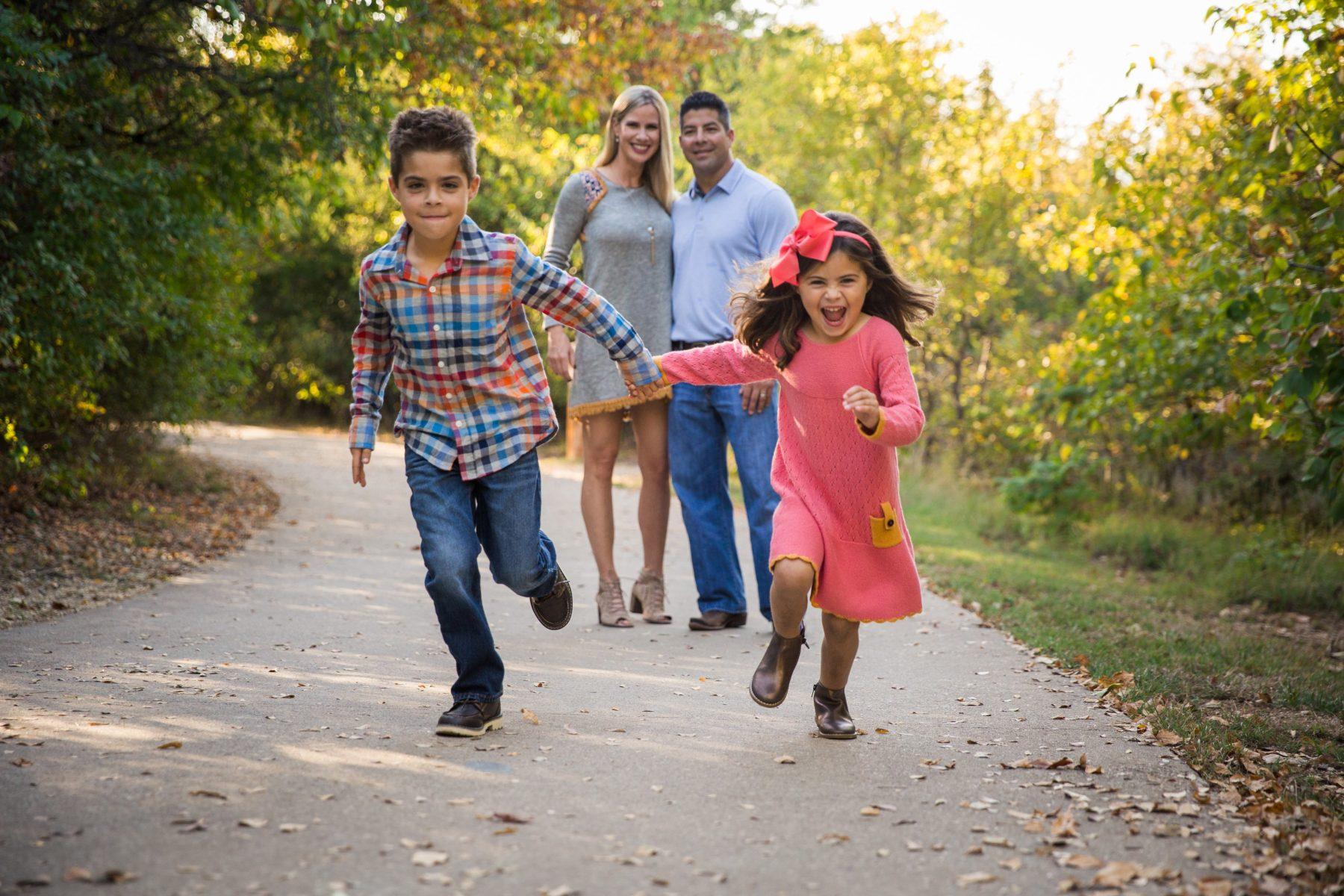 Children Playing {Family Photographer| Prosper, TX}