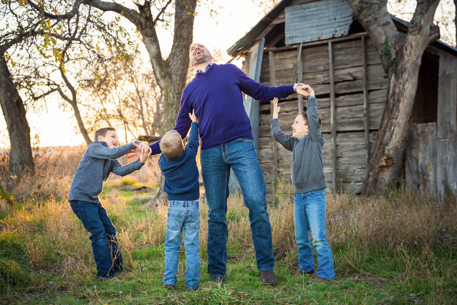 Boys tickling daddy {Family Photographer| Prosper, TX}