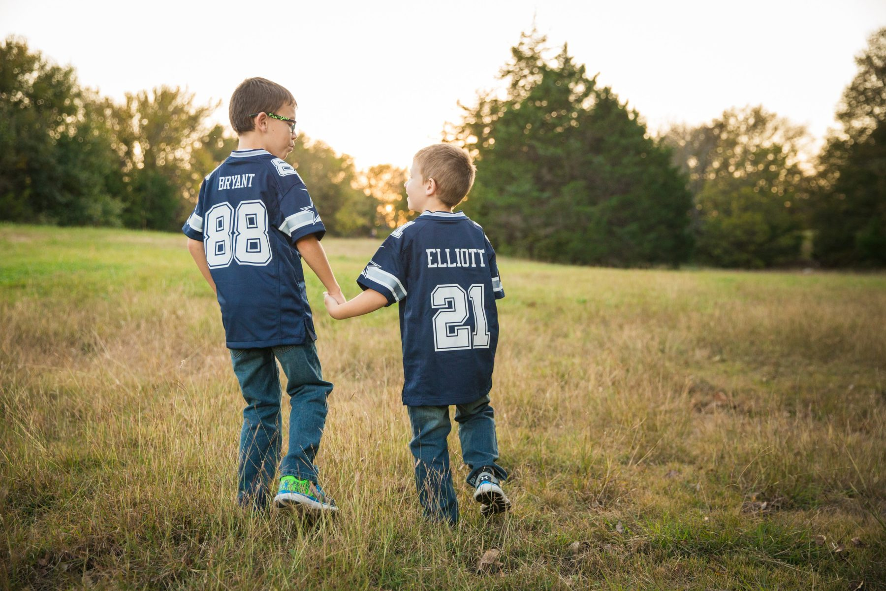 little boys in Dallas Cowboy's jerseys {Family Photographer| Prosper, TX}