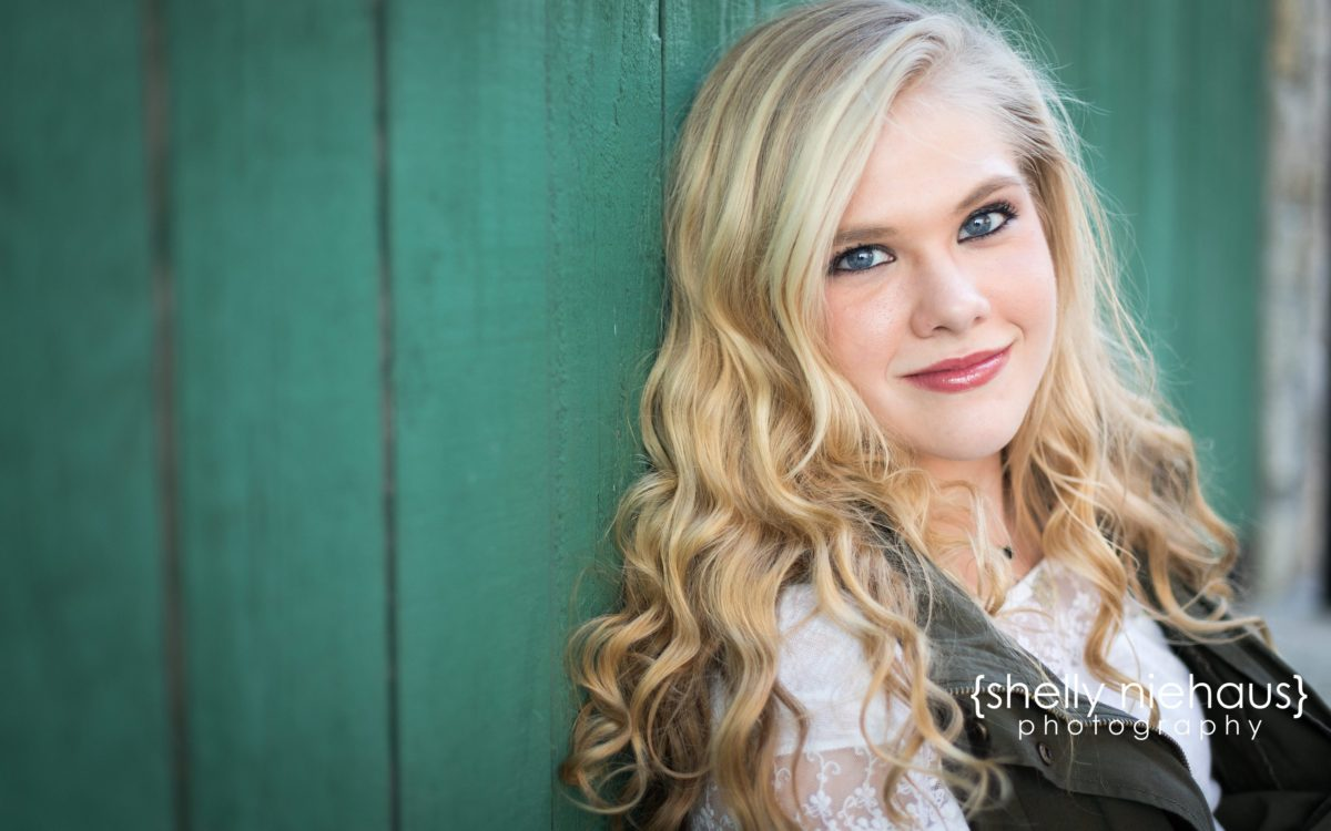 Shelly Niehaus Photography| Dallas Senior Photographer| Senior Girl At Adriatica